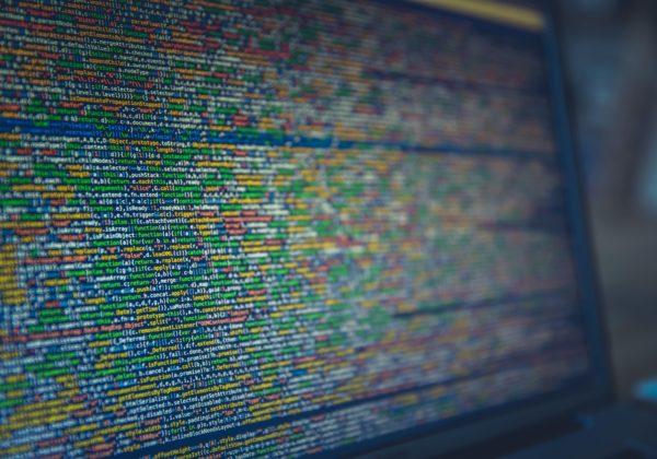 Le lingue artificiali digitali fra testi algoritmi e creatività